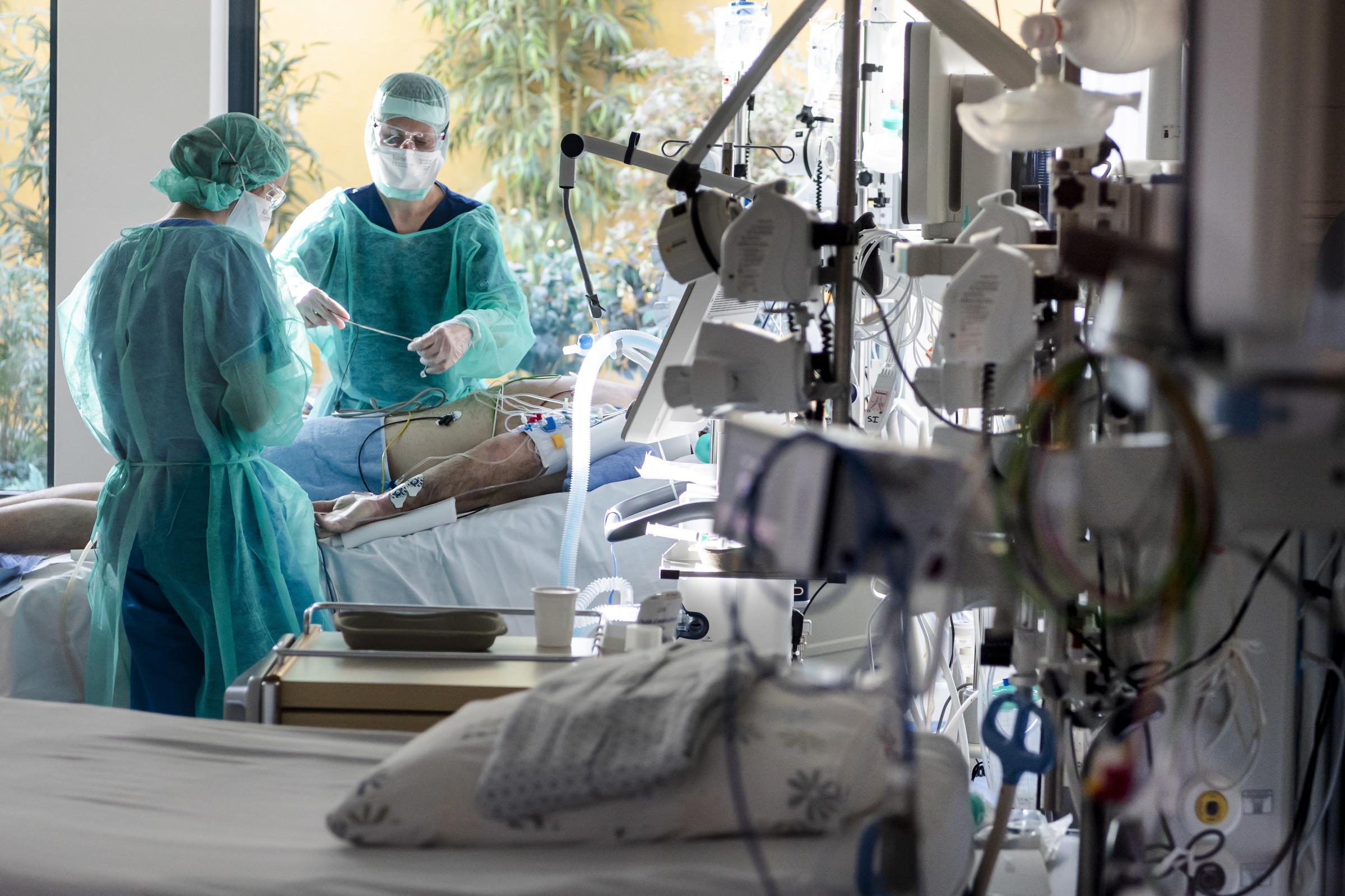 Giganci motoryzacyjni pomogą w walce z koronawirusem
